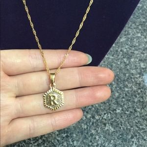 """Jewelry - New 18K gold """" R """" letter necklace"""